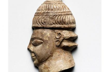 Tête de guerrier casqué, 1375-1250 av. JC_Photo © Hellenic Ministry of Culture and Sports, General Directorate of Antiquities and Cultural Heritage