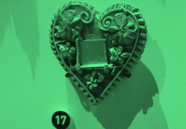 La balade amoureuse - pain en forme de cœur © Julie Cohen, Collection Mucem